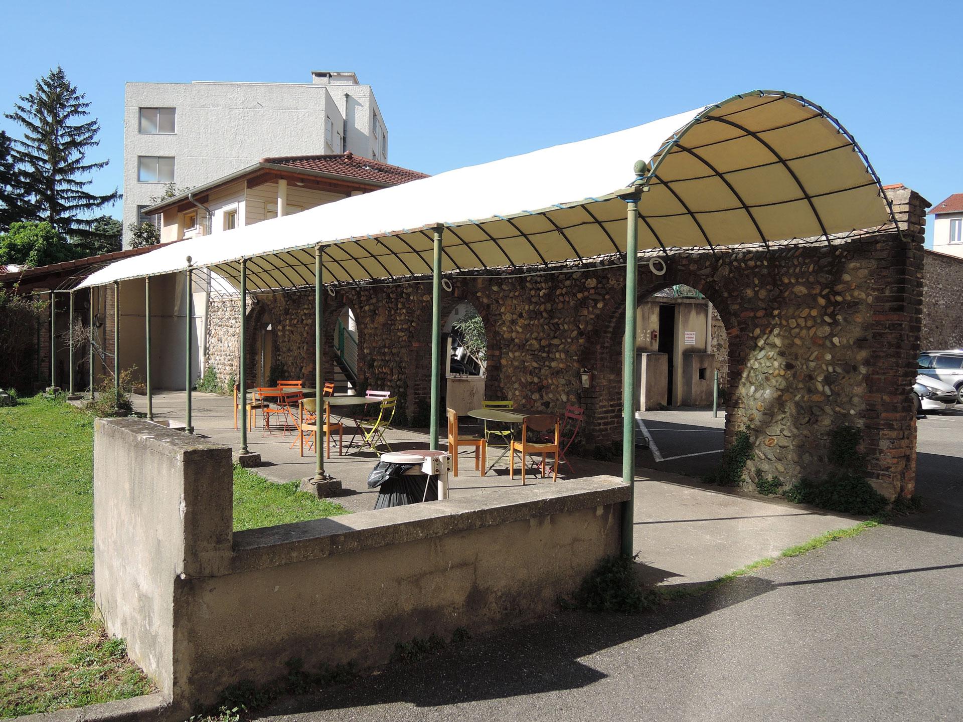 Tonnelle jardin de La Manu fjo2607