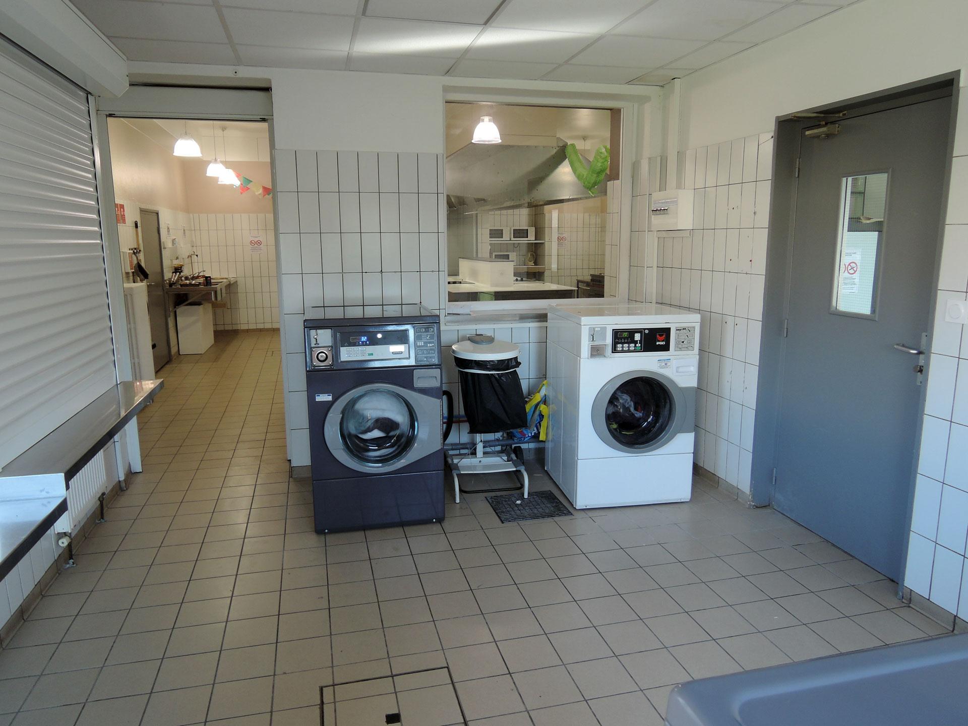 Machine à laver du foyer jeunes ouvriers La Manu de Valence