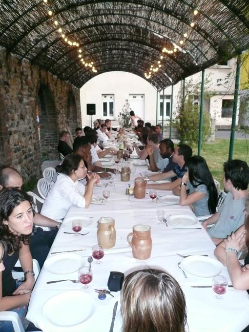 Repas ensemble à Bois Vignal